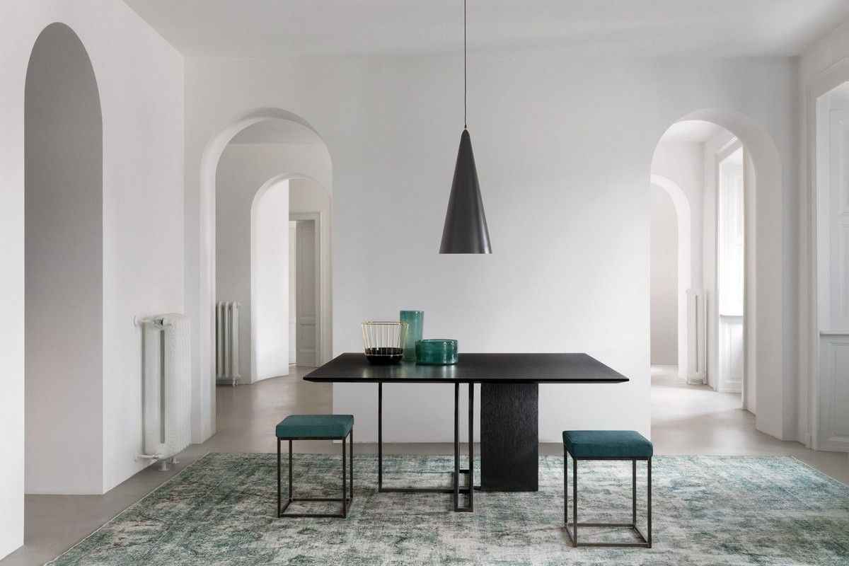 Mesmerizing Sculptural Dining Tables by Meridiani | The well known Italian brand Meridiani, has created an incredible collection. #diningtables #diningroom #homeinteriors  Mesmerizing Sculptural Dining Tables by Meridiani Mesmerizing Sculptural Dining Tables by Meridiani 3