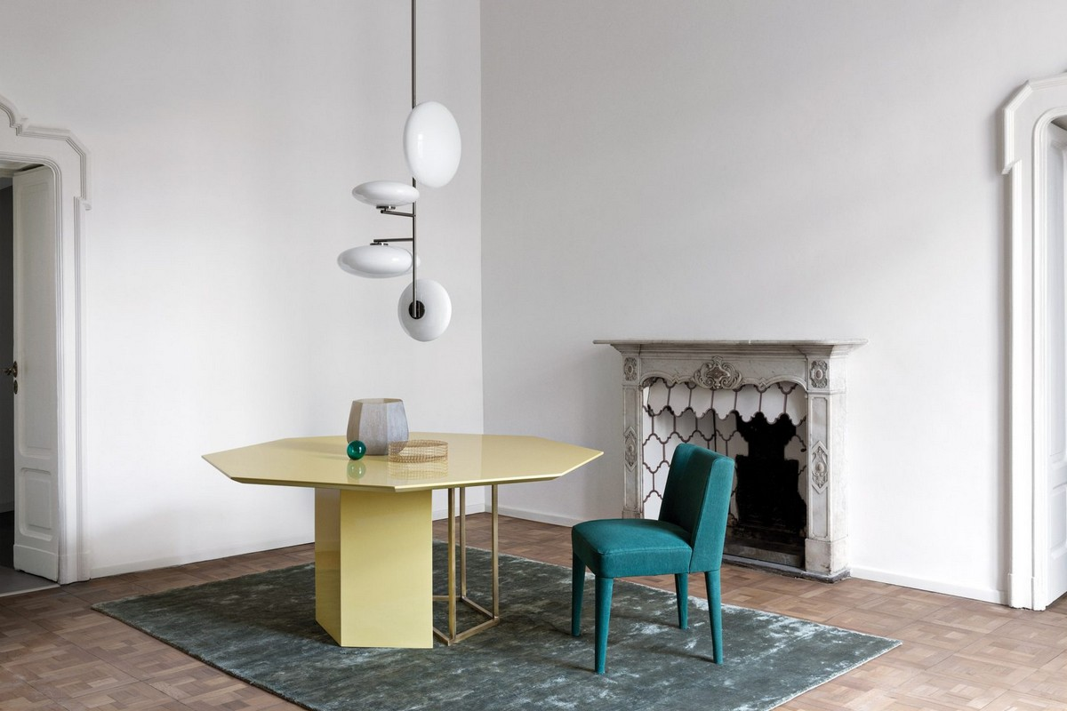 Mesmerizing Sculptural Dining Tables by Meridiani | The well known Italian brand Meridiani, has created an incredible collection. #diningtables #diningroom #homeinteriors  Mesmerizing Sculptural Dining Tables by Meridiani Mesmerizing Sculptural Dining Tables by Meridiani 4