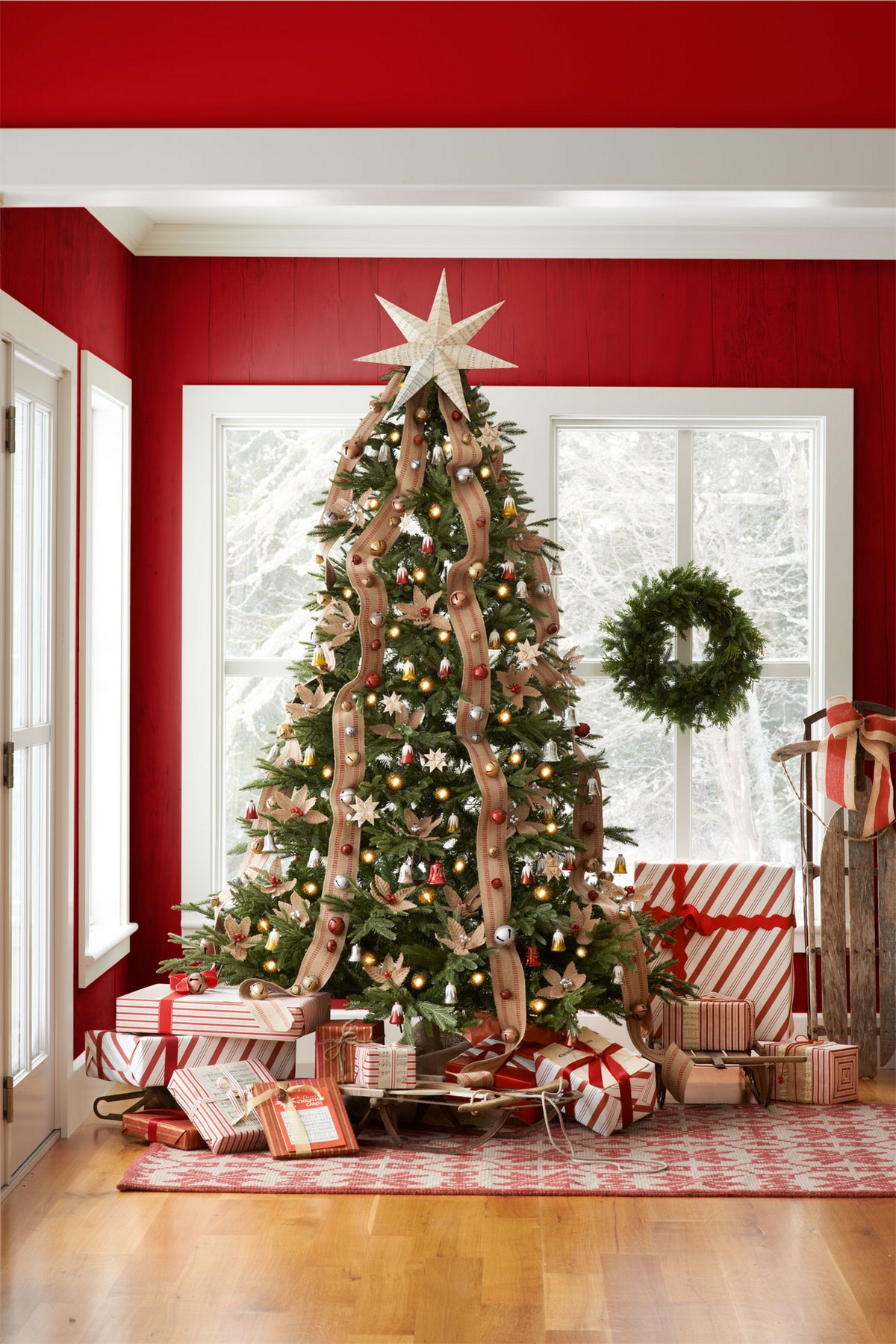 6 Mesmerizing Ways To Decor Your Christmas Tree This Holiday | Streets are already starting to shine with all of the traditional fairy lights that warm up people's hearts. #christmasdecor #christmastree #homedecor #fairylights #christmasspirit #interiordesign  6 Mesmerizing Ways To Decor Your Christmas Tree This Holiday christmas tree jingle bells 1215