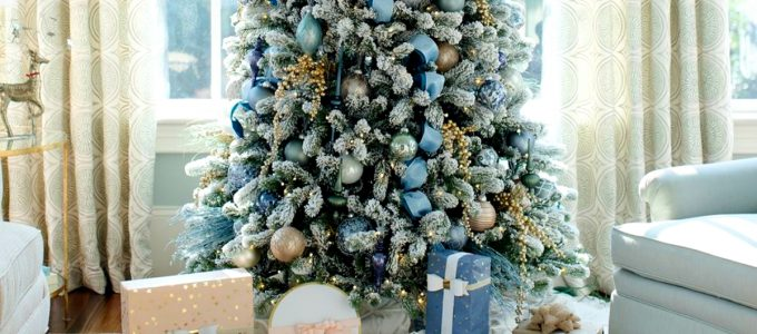 6 Mesmerizing Ways To Decor Your Christmas Tree This Holiday   Streets are already starting to shine with all of the traditional fairy lights that warm up people's hearts. #christmasdecor #christmastree #homedecor #fairylights #christmasspirit #interiordesign