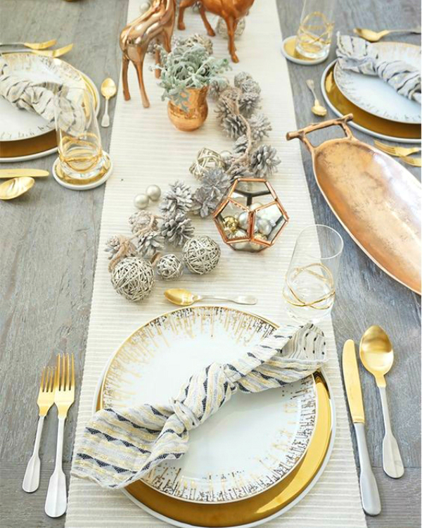 Get Your Dining Table Ready For Christmas Season | The countdown for Christmas is here! There are only 20 days left to the magical season and we bring to you the best ideas for you to decor your dining room. #christmas #christmasdecor #homedecor #diningroom #diningtable  Get Your Dining Table Ready For Christmas Season d67c8c0f4c4078ed7121eff4a0e97b2c