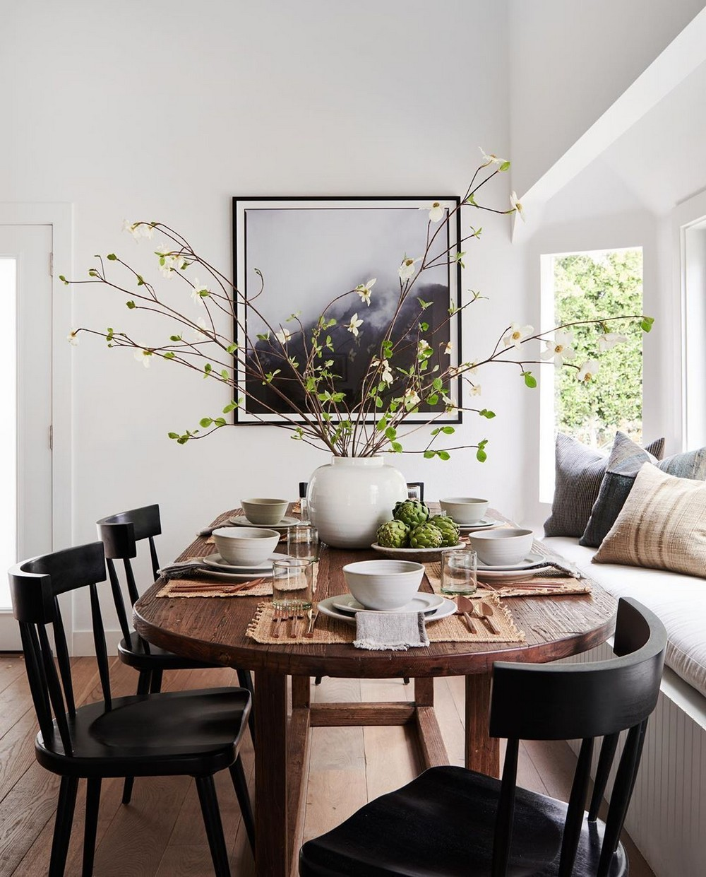 A Laid Back California Aesthetic: Dining Rooms by Amber Interiors amber interiors A Laid Back California Aesthetic: Dining Rooms by Amber Interiors 1 amber interiors