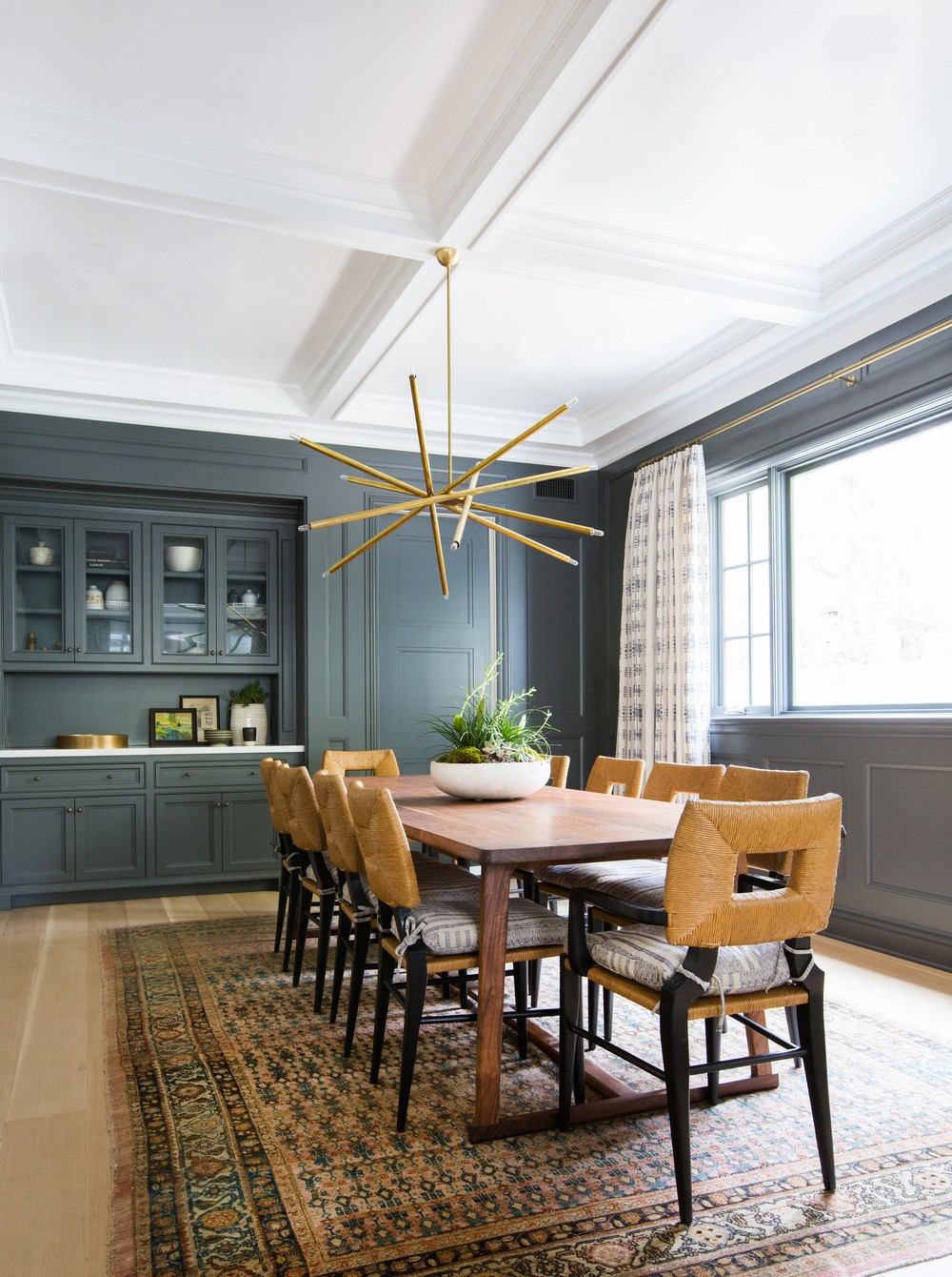 A Laid Back California Aesthetic: Dining Rooms by Amber Interiors amber interiors A Laid Back California Aesthetic: Dining Rooms by Amber Interiors 2 ad