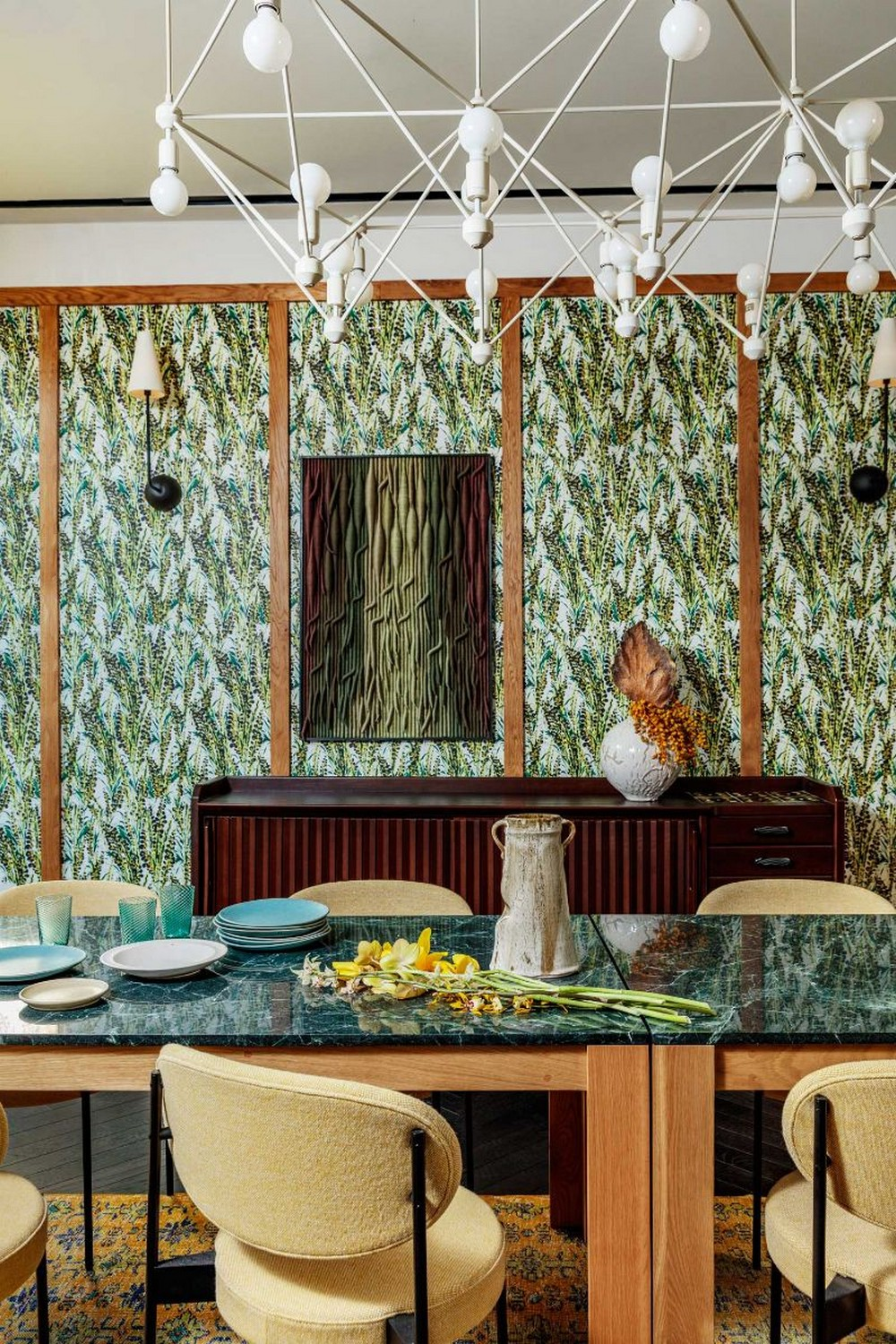 Kelly Wearstler's Most Ambitious Dining Room Projects kelly wearstler Kelly Wearstler's Most Ambitious Dining Room Projects KellyWearstlers New Proper Hotel Residence With Layered Interiors 4