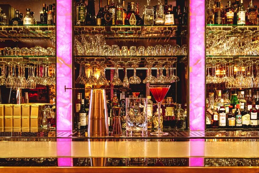 arc le salon Arc Le Salon: A Mayfair Deluxe Lounge ARC Bar 01